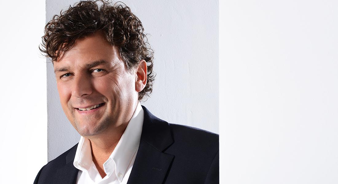 Zahnarzt & Implantologe Jens Schönberg in Voerde (NRW)