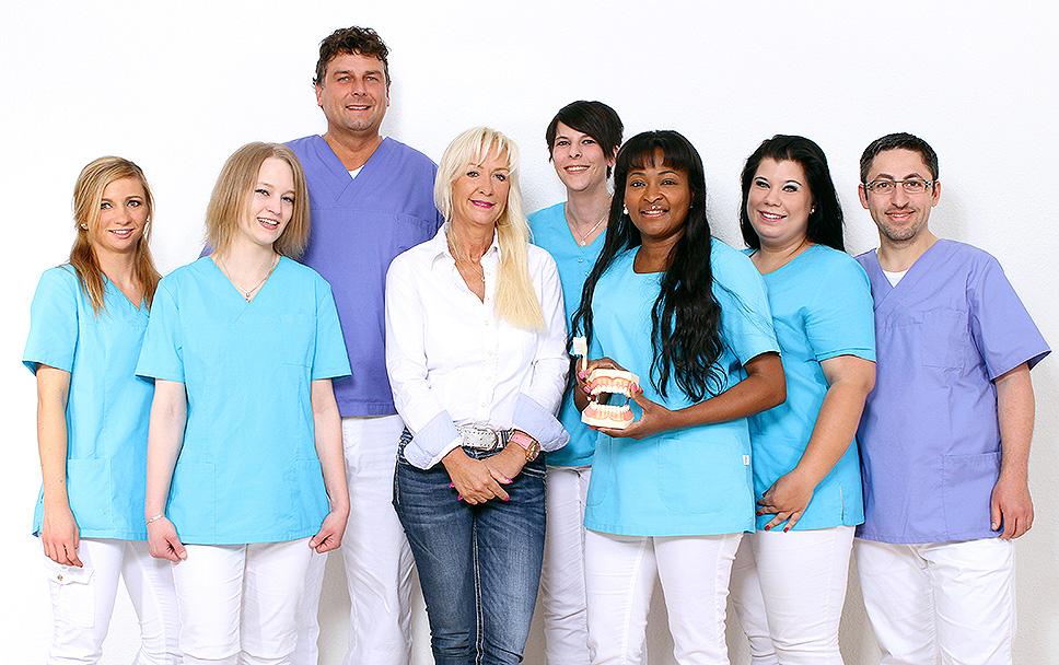 Team der Zahnarztpraxis Jens Schönberg in Voerde